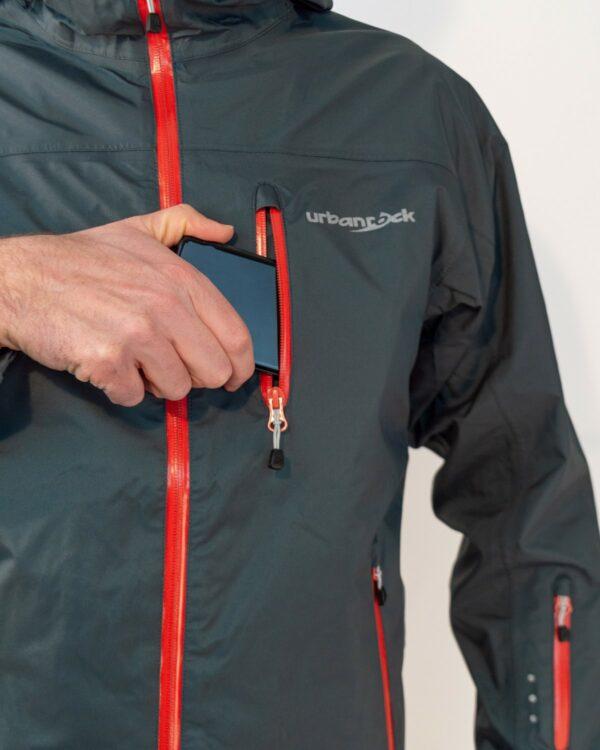 Wasserdichte Brusttasche für Smartphone und co.