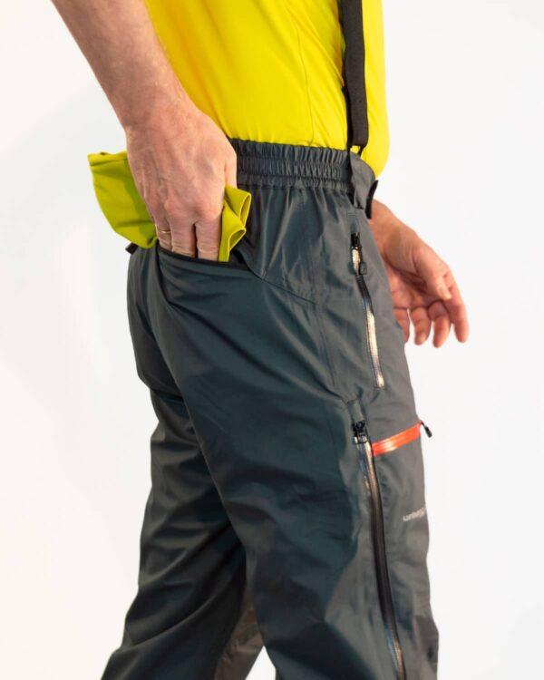 Tasche an der Rückseite - wasserfeste Tourenhose