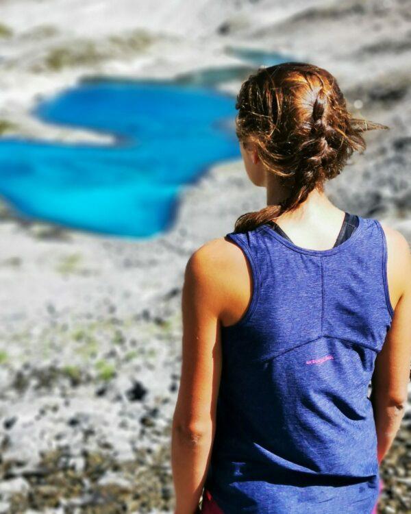 Wanderurlaub im Tirol mit dem Top Limone für Damen. Atmungsaktiv, leicht & Bequem.