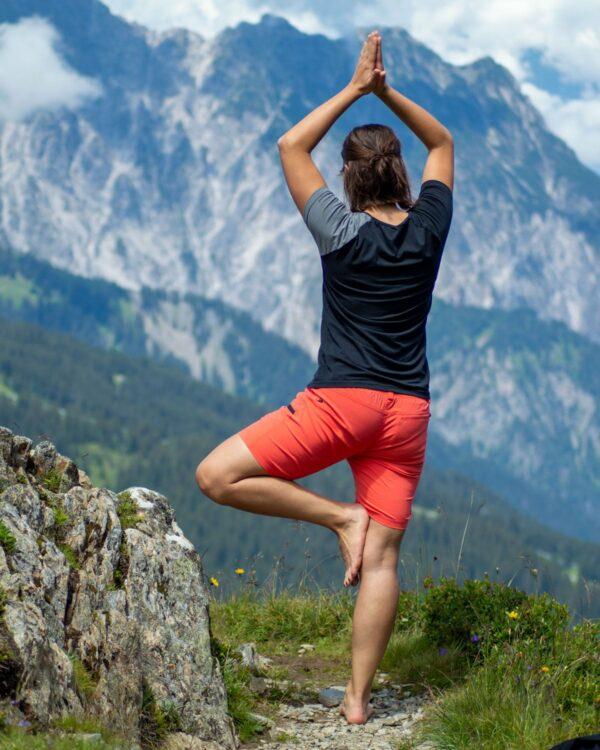 Rückenansicht des Naturfaser-Shirts an der Tschaggunser Mittagsspitze