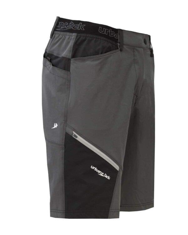 Seitliches Produktbild der kurzen Hose Venga. Sie ist besonders gut geeignet zum Klettern und Bouldern
