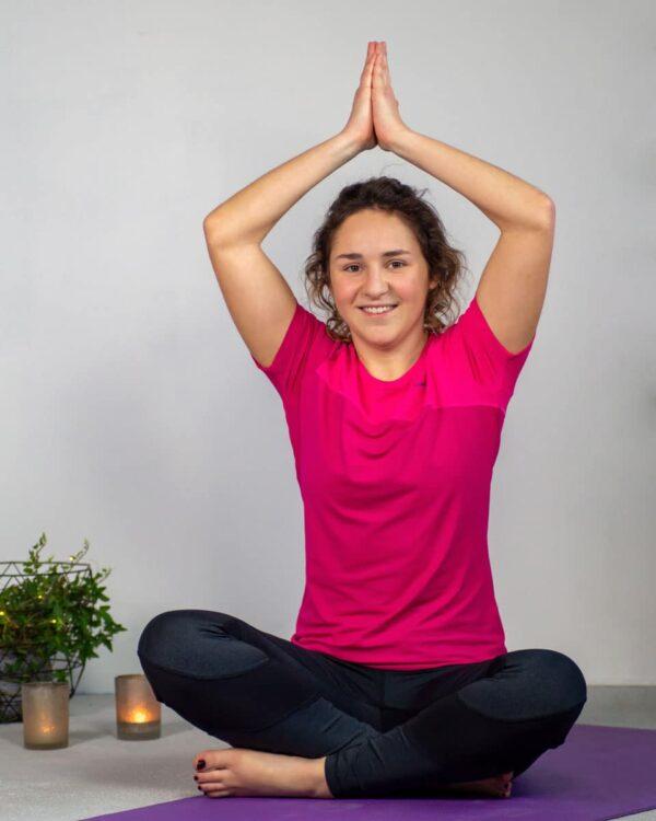 Yoga mit der Tight Spirit und dem Damen-Funktionsshirt Nago
