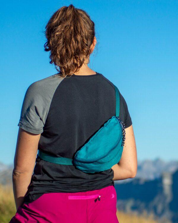 Kleine Hüfttasche zum Wandern. Reisen oder für die Freizeit