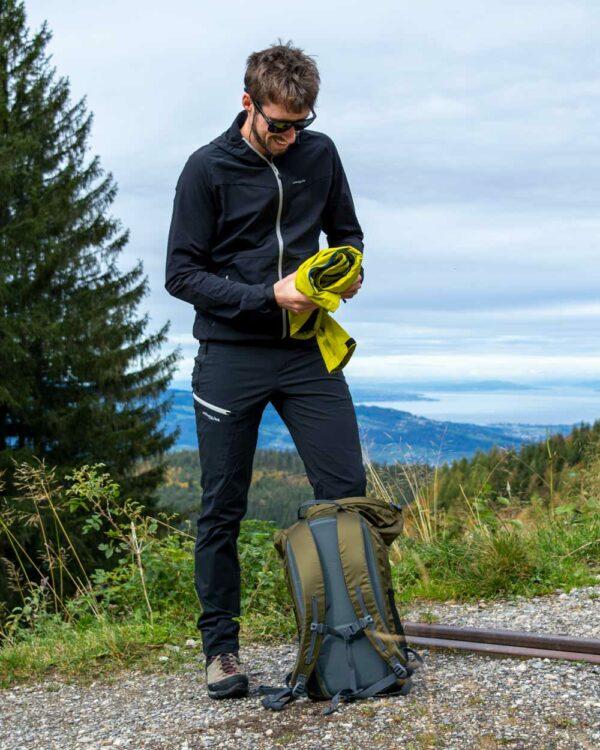 Extrem leichter, wasserdichter Rucksack zum Wandern, Biken, Skitouren, Stand-up-paddeln und für die Freizeit