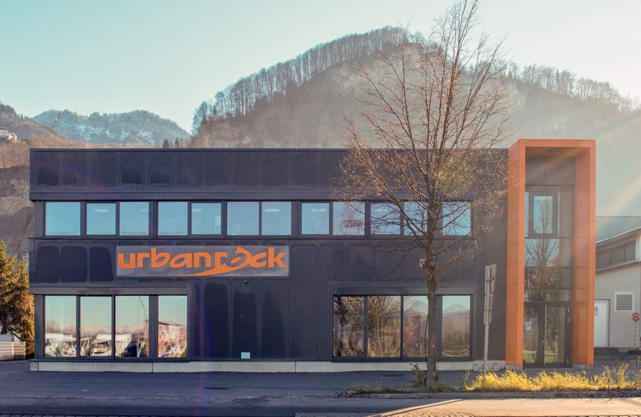 Kontakt. Öffnungszeiten für unser Outdoorbekleidungsshop in Hohenems, Dornbirn, Vorarlberg, Rheintal, Unterland, Österreich